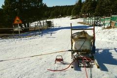 Un trineo en la nieve lista para el viaje siguiente fotos de archivo libres de regalías