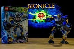 Un universo del juguete del carácter de Lego Bionicle - Onua, Uniter de la tierra Imagen de archivo libre de regalías