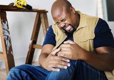 Un uomo con il concetto domestico di sicurezza Fotografia Stock