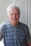 un uomo sorridente di 82 anni Fotografia Stock Libera da Diritti