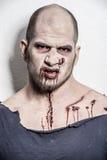 Un uomo spaventoso dello zombie Fotografia Stock Libera da Diritti