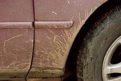 Un véhicule boueux Photographie stock