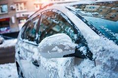 Un véhicule dans la neige Images libres de droits