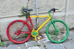 Un vélo de couleur d'arbre de l'Italie Photo libre de droits