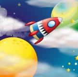 Un vaisseau spatial près des planètes Image libre de droits