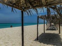 Un varadero da praia na Cuba surpreendente imagens de stock royalty free