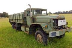 Un vecchio camion da vendere in georga Fotografie Stock