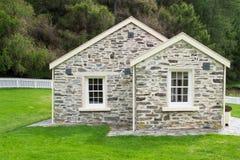 Un vecchio cottage del mattone Fotografia Stock Libera da Diritti