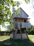 Un vecchio mulino a vento nella terra storica di Dobrogea dentro a sud-est della Romania immagine stock libera da diritti