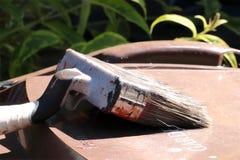 Un vecchio pennello del giardino di DIY fotografia stock