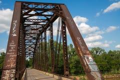 Un vecchio ponte di capriata che attraversa il fiume Canadian del sud #2 Fotografia Stock