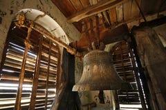 Un vecchio segnalatore acustico in una torretta di chiesa Fotografia Stock Libera da Diritti