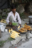 Un venditore ambulante povero in India Fotografie Stock Libere da Diritti