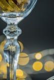 Un verre d'or Images libres de droits