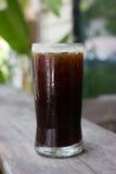 Un verre de café glacé noir Image libre de droits