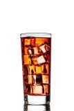 Un verre de thé avec de la glace photographie stock libre de droits