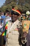 Un veterano di guerra con le medaglie celebra il 119th anniversario dell'annuncio Immagini Stock