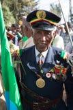 Un veterano di guerra con le medaglie celebra il 119th anniversario dell'annuncio Fotografia Stock