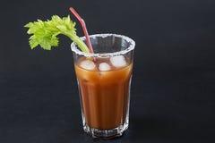 Un vetro con un cocktail Fotografia Stock Libera da Diritti