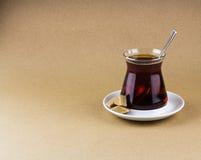 Un vetro di tè turco nero Immagini Stock Libere da Diritti