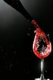 Un vetro di vino rosso immagini stock libere da diritti