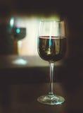 Un vetro di vino rosso Fotografie Stock