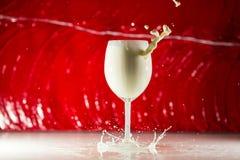 Un vidrio de leche Imagen de archivo libre de regalías