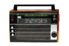 Un viejo modelo portátil de la radio de transistor en un caso de madera Hecho en URSS El más popular del 70-80s Aislado en blanco Fotos de archivo libres de regalías