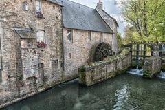 Un vieux bâtiment dans l'eau Images libres de droits