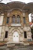 Un vieux b?timent ? Istanbul avec une fa?ade en pierre photos libres de droits