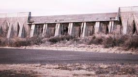 Un vieux barrage Image libre de droits
