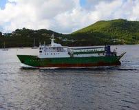 Un vieux ferry dans les grenadines Images stock