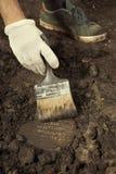 Un vieux fragment de cunéiforme d'Akkad trouvé sur des excavations de terrain photo stock