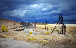 Un vieux headframe de mine en butte, Montana Photos libres de droits