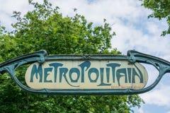 Un vieux signe de métro Photographie stock