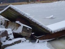 Un vieux temps du ` s de dock semble finir notre archipel et sa belle nature de lui Photo libre de droits