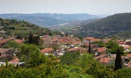 Un village dans la région de vin de la Chypre Photos libres de droits