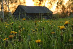 Un village le soir Photographie stock libre de droits