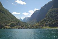 Un villaggio nel Sognefjord Fotografia Stock