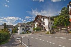 Un villaggio nelle alpi della dolomia Fotografia Stock Libera da Diritti