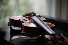 Un violín Foto de archivo libre de regalías