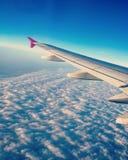 Un vol vers Paris images libres de droits