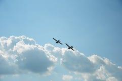 Un volo sincrono di due aerei Fotografia Stock
