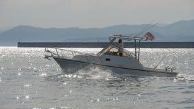 Un voyage de bateau au printemps Photos stock