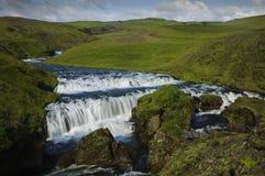 Un Waterfal ancho en Islandia Imágenes de archivo libres de regalías