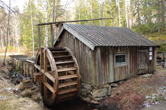 Un watermill dans le pays suédois Photo stock