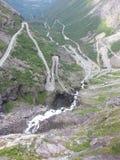 Un wiev au-dessus de la route Trollstigen Image stock