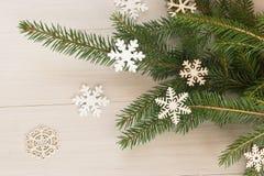 Una aún-vida con las ramas de un árbol de navidad Imagen de archivo