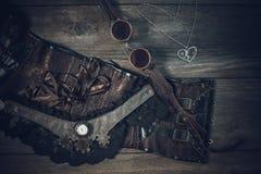 Una aún-vida hermosa en el estilo del steampunk con protector va Fotografía de archivo