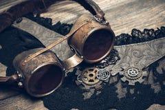 Una aún-vida hermosa en el estilo del steampunk con protector va Foto de archivo